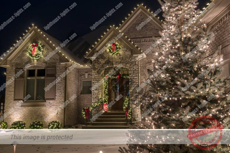 Professional Holiday Lighting Looks Like a Work of Art